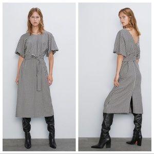 NWT. Zara Houndstooth Midi Dress. Size M.